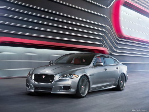 Jaguar-XJR_2014_800x600_wallpaper_03